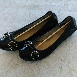 Tahari black leather ballet flats size 7